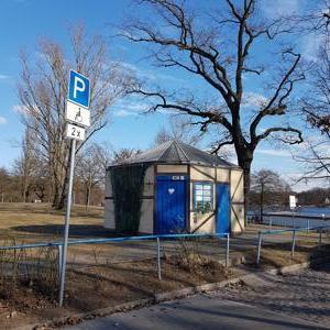 Öffentliche Toilette am Lehnitzsee Rüdesheimer Str